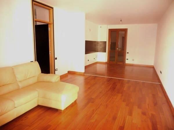 Appartamento in vendita a Falconara Marittima, 3 locali, zona Zona: Castelferretti, prezzo € 165.000 | Cambio Casa.it