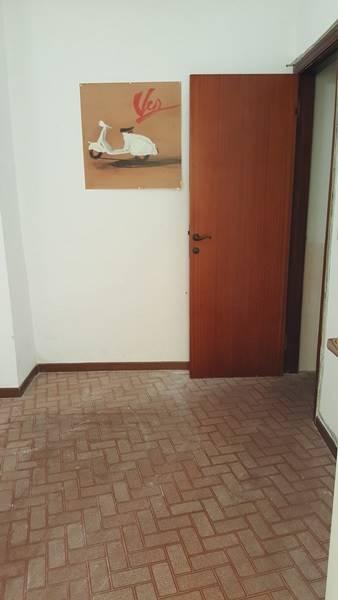 Immobile Commerciale in affitto a Falconara Marittima, 1 locali, zona Zona: Palombina vecchia, prezzo € 350 | Cambio Casa.it