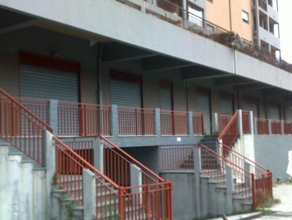 Magazzino in vendita a Messina, 13 locali, zona Località: TREMESTIERI, Trattative riservate   Cambio Casa.it