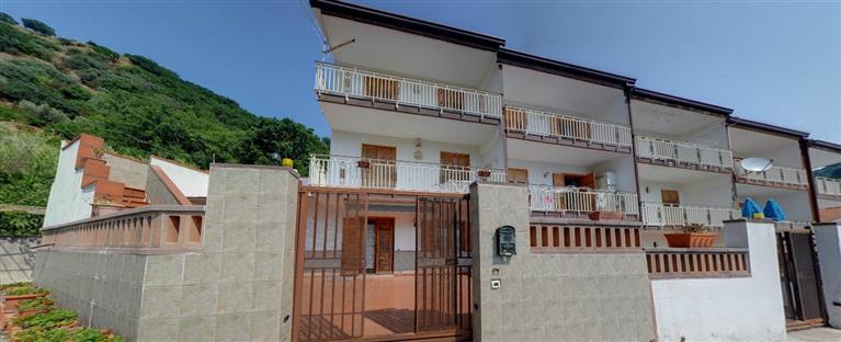 Villa in vendita a Messina, 7 locali, zona Zona: Centro, prezzo € 290.000 | Cambio Casa.it