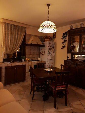 Soluzione Indipendente in vendita a Cosenza, 4 locali, zona Località: COSENZA CENTRO, prezzo € 95.000 | Cambio Casa.it
