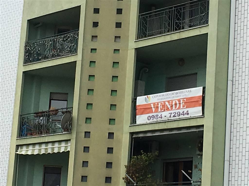 Appartamento in vendita a Montalto Uffugo, 4 locali, zona Località: SETTIMO, prezzo € 120.000 | CambioCasa.it