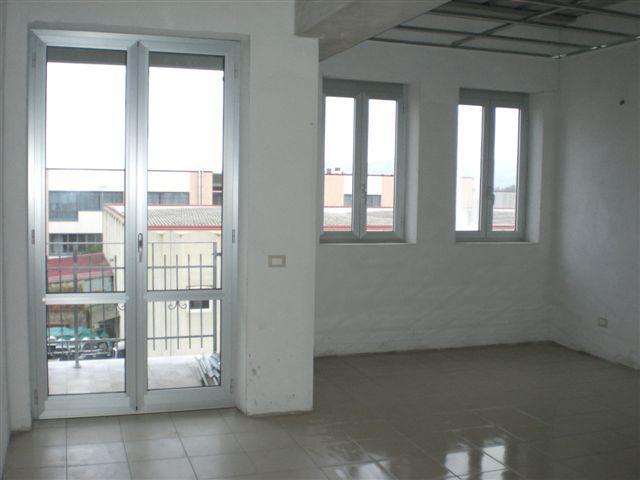 Negozio / Locale in vendita a Follonica, 2 locali, prezzo € 40.000 | CambioCasa.it