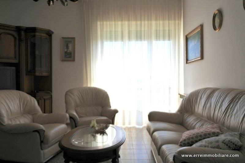 Appartamento in vendita a Massa Marittima, 4 locali, prezzo € 99.000 | Cambio Casa.it