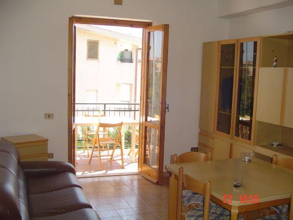 Appartamento in affitto a Roseto Capo Spulico, 4 locali, zona Località: MARINA SOTTO FERROVIA, Trattative riservate | CambioCasa.it