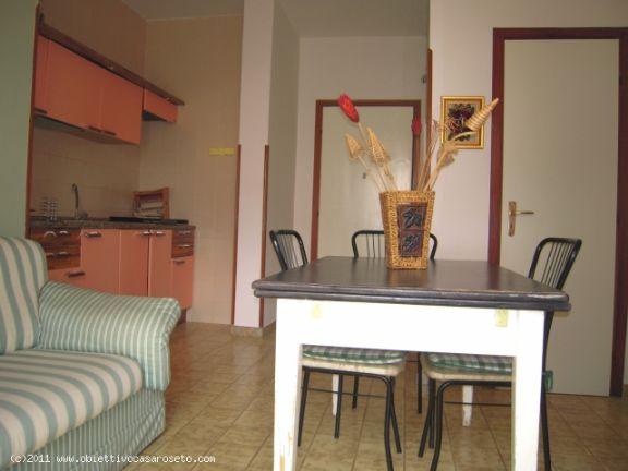 Appartamento in vendita a Roseto Capo Spulico, 3 locali, zona Località: MARINA SOTTO FERROVIA, Trattative riservate   CambioCasa.it
