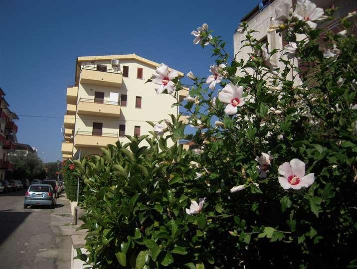 Appartamento in affitto a Roseto Capo Spulico, 3 locali, Trattative riservate | CambioCasa.it