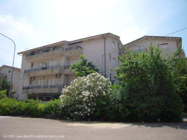 Appartamento in vendita a Roseto Capo Spulico, 1 locali, zona Località: MARINA SOTTO FERROVIA, prezzo € 16.000   CambioCasa.it