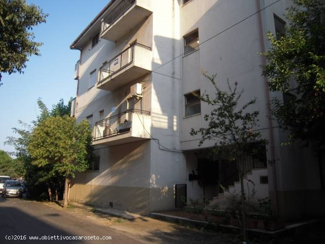 Appartamento in vendita a Roseto Capo Spulico, 5 locali, prezzo € 50.000 | CambioCasa.it