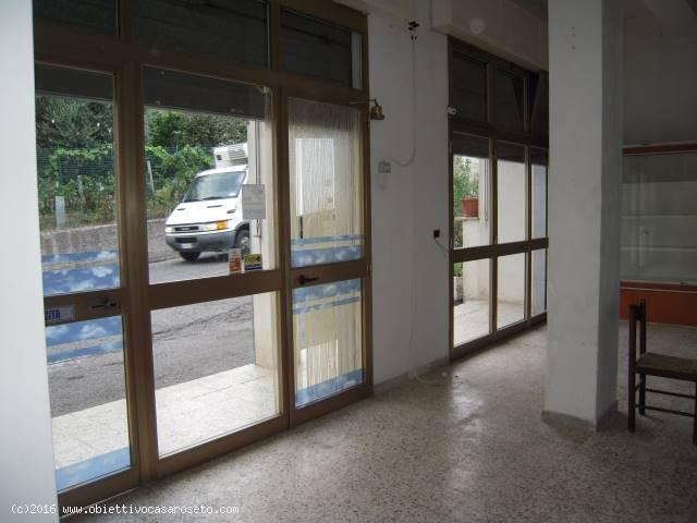 Attività / Licenza in vendita a Roseto Capo Spulico, 3 locali, zona Località: CIVITA, Trattative riservate | CambioCasa.it