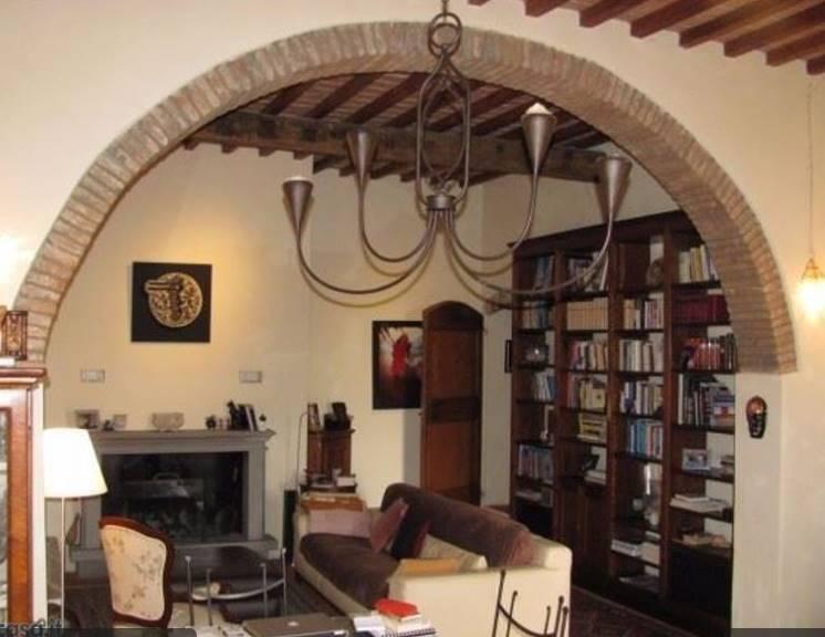 Rustico / Casale in vendita a Rignano sull'Arno, 7 locali, zona Zona: San Donato, prezzo € 570.000 | Cambio Casa.it