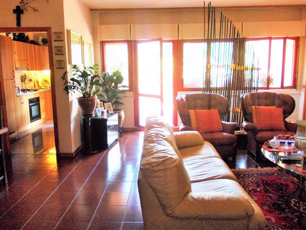 Appartamento in vendita a Copparo, 4 locali, prezzo € 107.000 | Cambio Casa.it