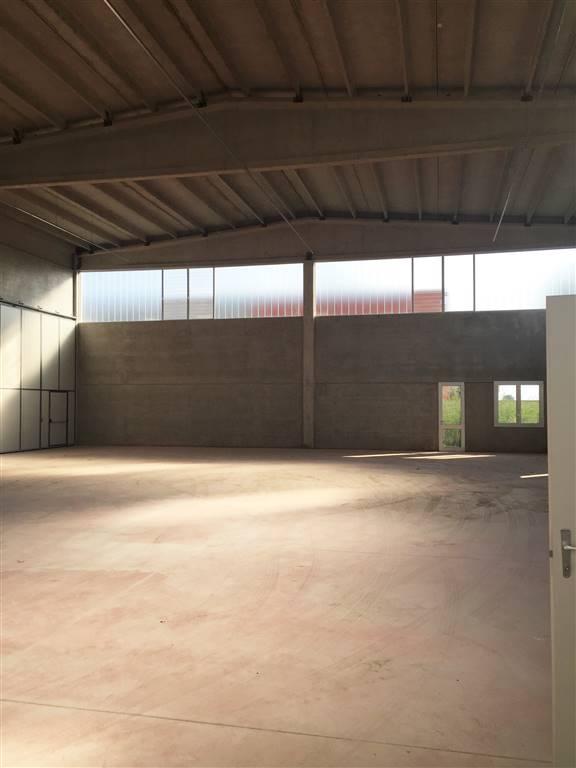 Magazzino in vendita a Ferrara, 4 locali, zona Zona: Pontegradella, prezzo € 300.000 | Cambio Casa.it