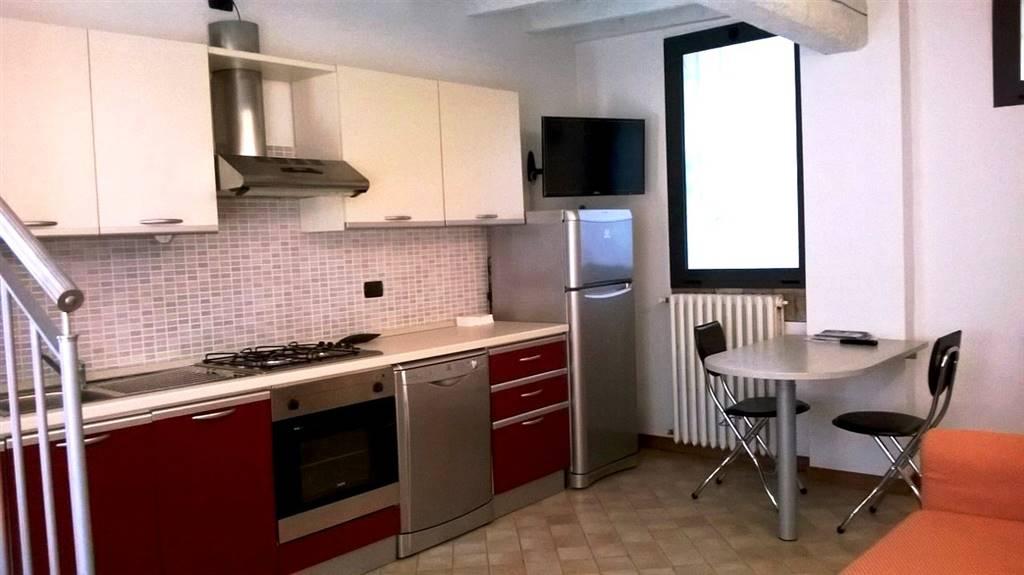 Soluzione Indipendente in affitto a Ferrara, 2 locali, zona Zona: Centro storico, prezzo € 410 | Cambio Casa.it