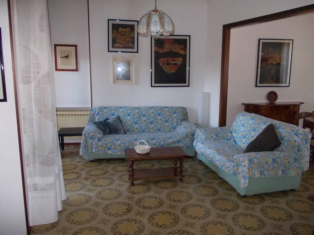 Attico / Mansarda in vendita a Ferrara, 4 locali, zona Località: VIA POMPOSA, prezzo € 135.000   Cambio Casa.it