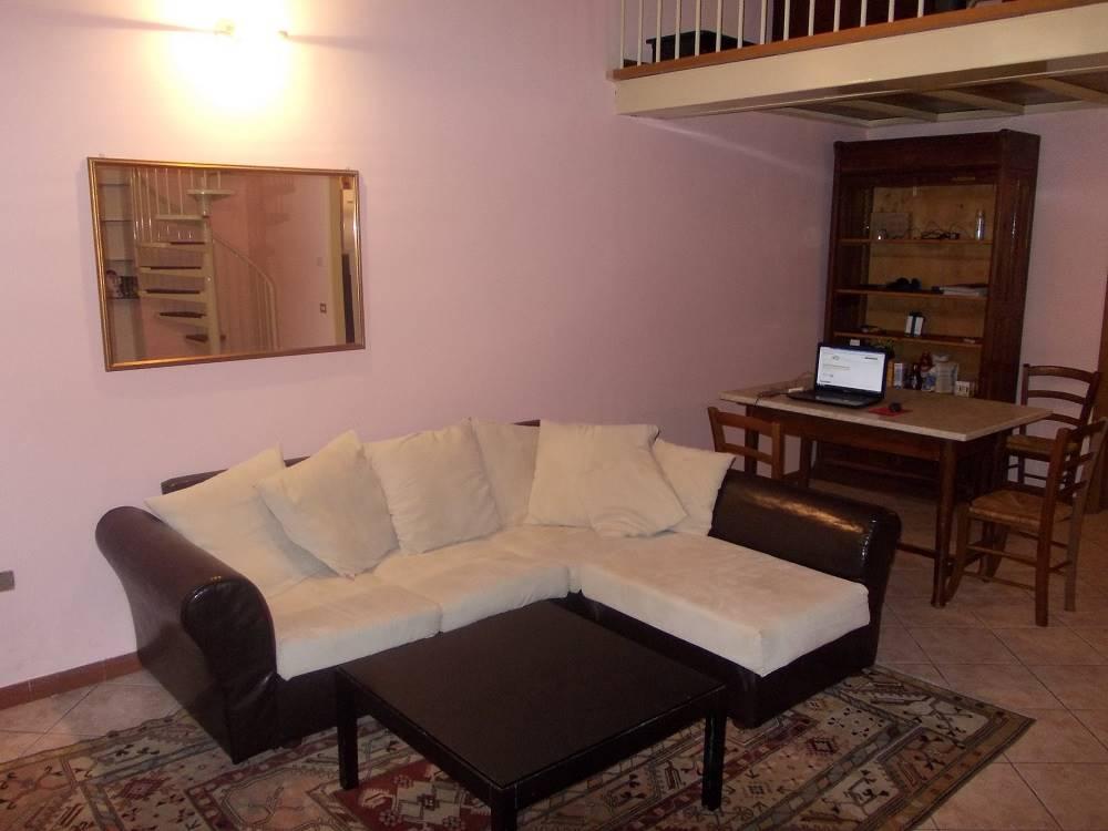 Soluzione Indipendente in affitto a Ferrara, 2 locali, zona Zona: Centro storico, prezzo € 470 | CambioCasa.it