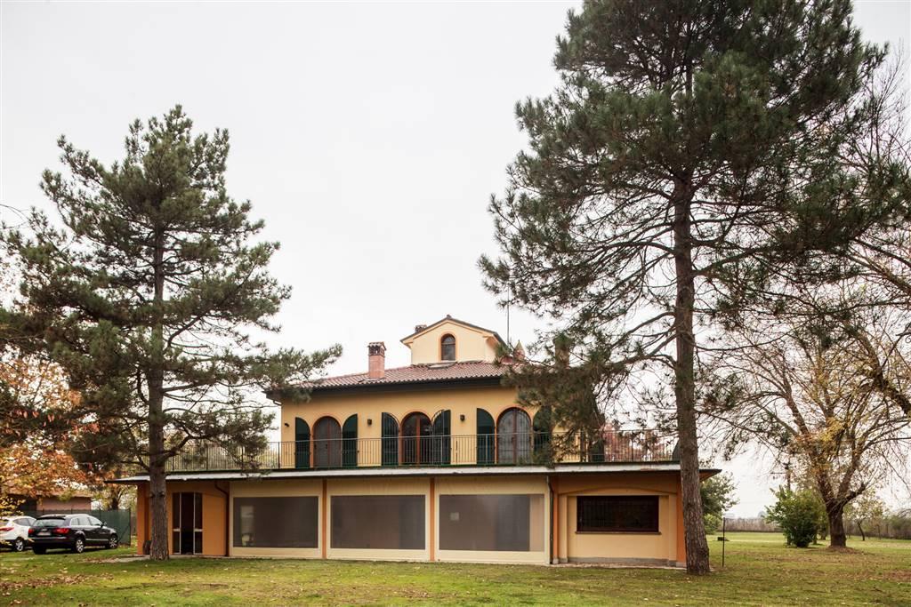 Villa in affitto a Budrio, 10 locali, zona Zona: Maddalena di Cazzano, prezzo € 1.800 | Cambio Casa.it
