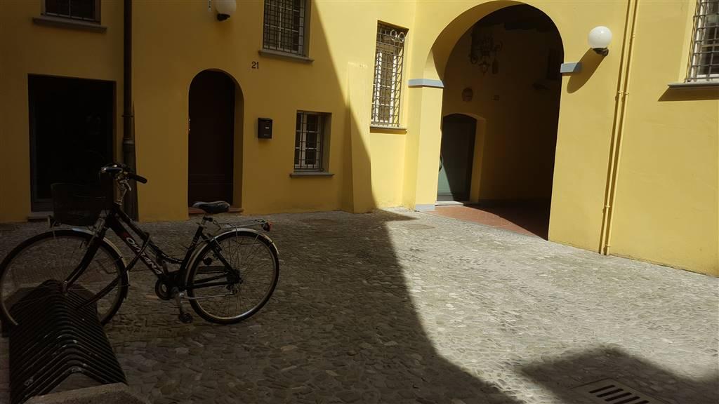 Appartamento in affitto a Cento, 1 locali, prezzo € 380   CambioCasa.it
