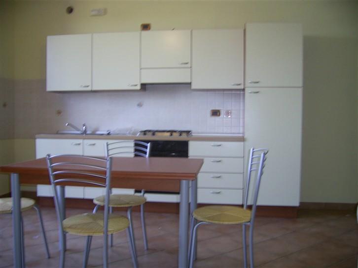 Appartamento in affitto a Mantova, 2 locali, zona Zona: Gambarara, prezzo € 400 | Cambio Casa.it