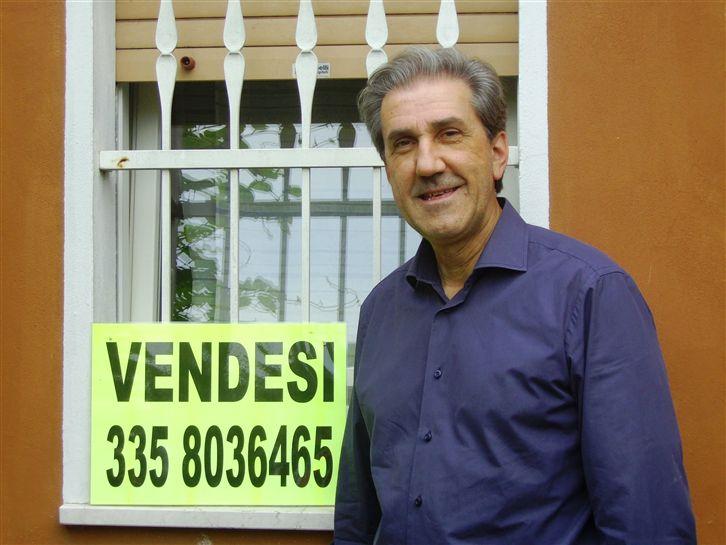 Villa a Schiera in Vendita a Roverbella