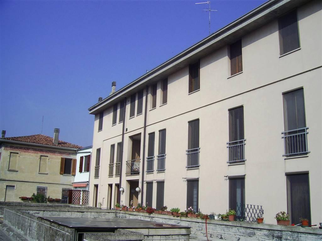 Appartamento in vendita a San Benedetto Po, 3 locali, prezzo € 55.000 | CambioCasa.it