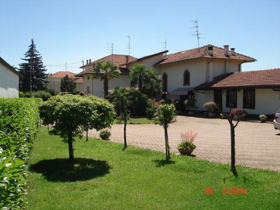 Soluzione Indipendente in vendita a Cossato, 15 locali, prezzo € 360.000 | Cambio Casa.it