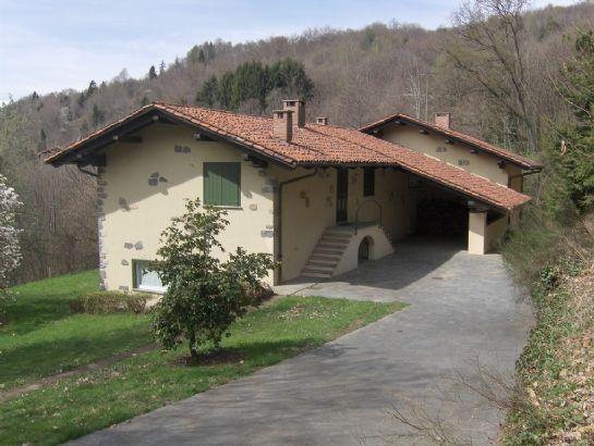 Soluzione Indipendente in vendita a Pettinengo, 8 locali, zona Zona: Vaglio, prezzo € 260.000 | Cambio Casa.it