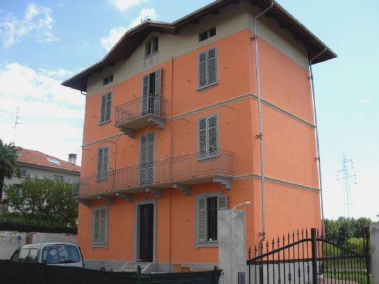 Soluzione Indipendente in vendita a Cossato, 6 locali, zona Località: CERRO, prezzo € 132.000 | Cambio Casa.it