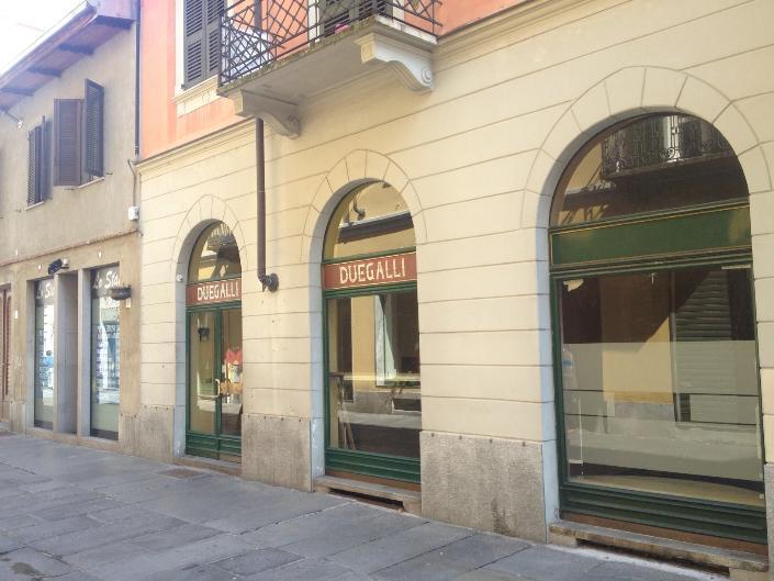 Negozio / Locale in affitto a Biella, 3 locali, zona Zona: Centro, prezzo € 1.400 | Cambio Casa.it