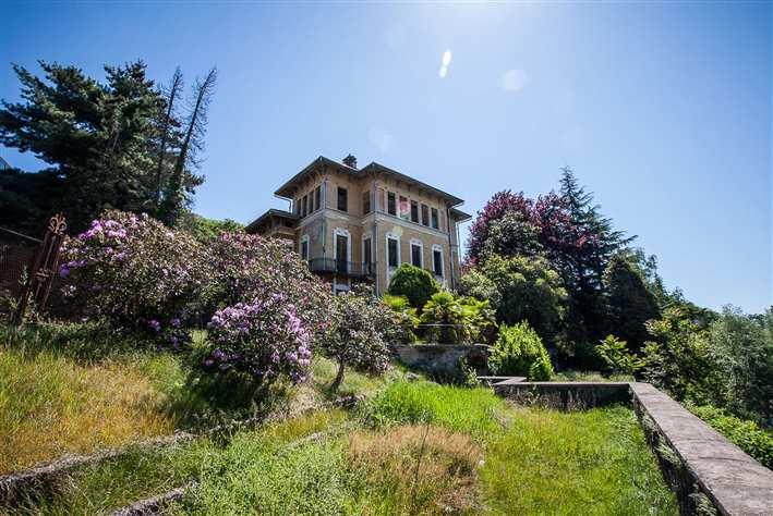 Villa in Vendita a Lessona