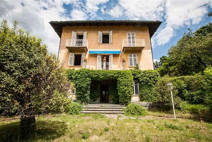 Soluzione Indipendente in vendita a Biella, 15 locali, zona Località: COSSILA / FAVARO / OROPA, prezzo € 170.000 | Cambio Casa.it