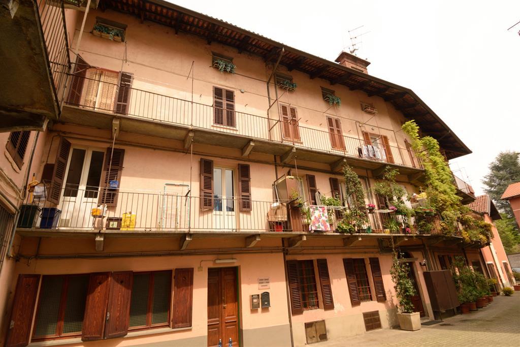 Appartamento in vendita a Biella, 4 locali, zona Zona: Centro, prezzo € 25.000 | Cambio Casa.it