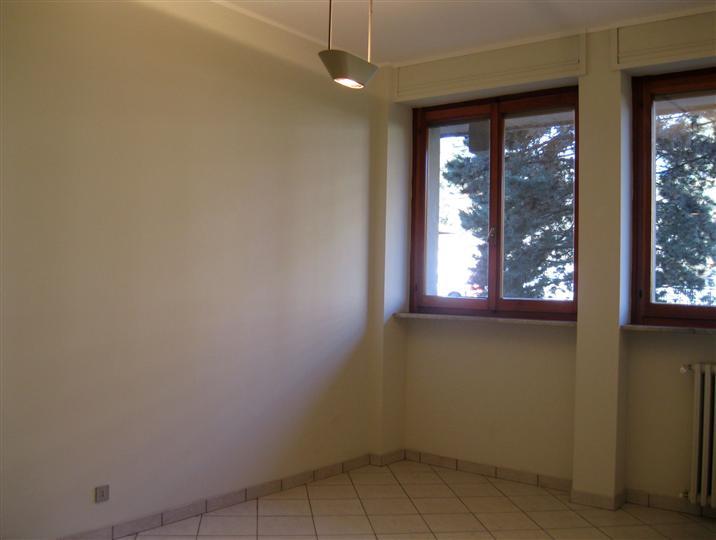Appartamento in vendita a Biella, 4 locali, zona Zona: Centro, prezzo € 70.000 | Cambio Casa.it