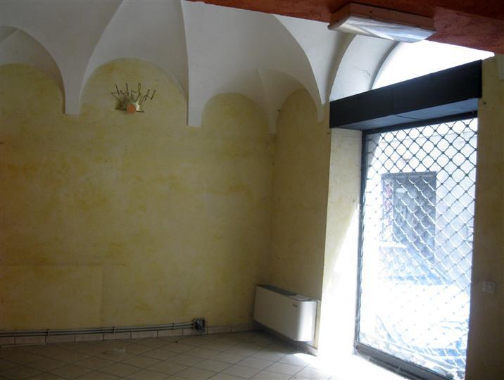 Negozio / Locale in affitto a Biella, 2 locali, zona Località: RIVA, prezzo € 1.000 | Cambio Casa.it