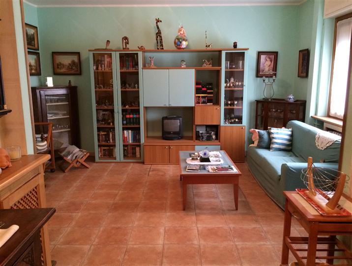 Appartamento in vendita a Andorno Micca, 4 locali, zona Zona: Locato Superiore, prezzo € 35.000 | Cambio Casa.it
