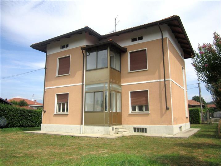 Soluzione Indipendente in vendita a Cossato, 6 locali, zona Località: PARLAMENTO, prezzo € 155.000 | Cambio Casa.it