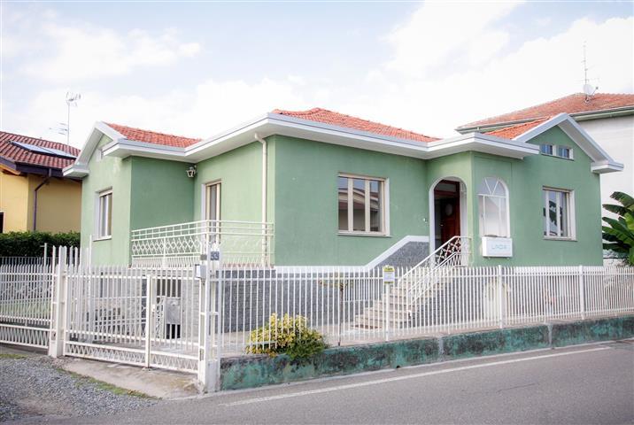 Soluzione Indipendente in vendita a Candelo, 5 locali, prezzo € 180.000 | Cambio Casa.it