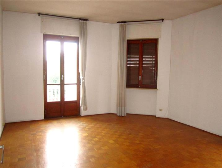 Appartamento in affitto a Biella, 4 locali, zona Località: CHIAVAZZA, prezzo € 380 | Cambio Casa.it