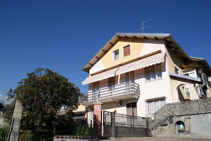 Villa in vendita a Pollone, 8 locali, prezzo € 190.000 | Cambio Casa.it