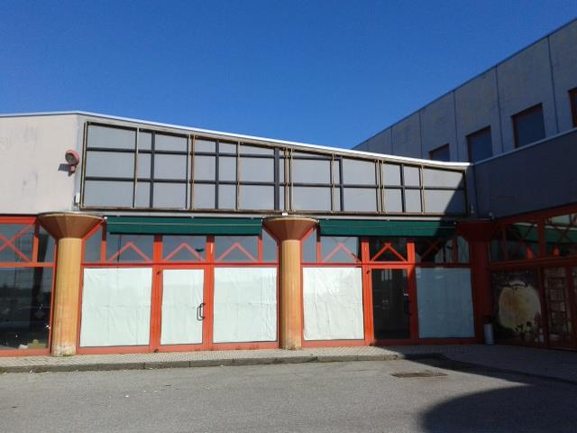 Negozio / Locale in vendita a Gaglianico, 1 locali, prezzo € 250.000   Cambio Casa.it