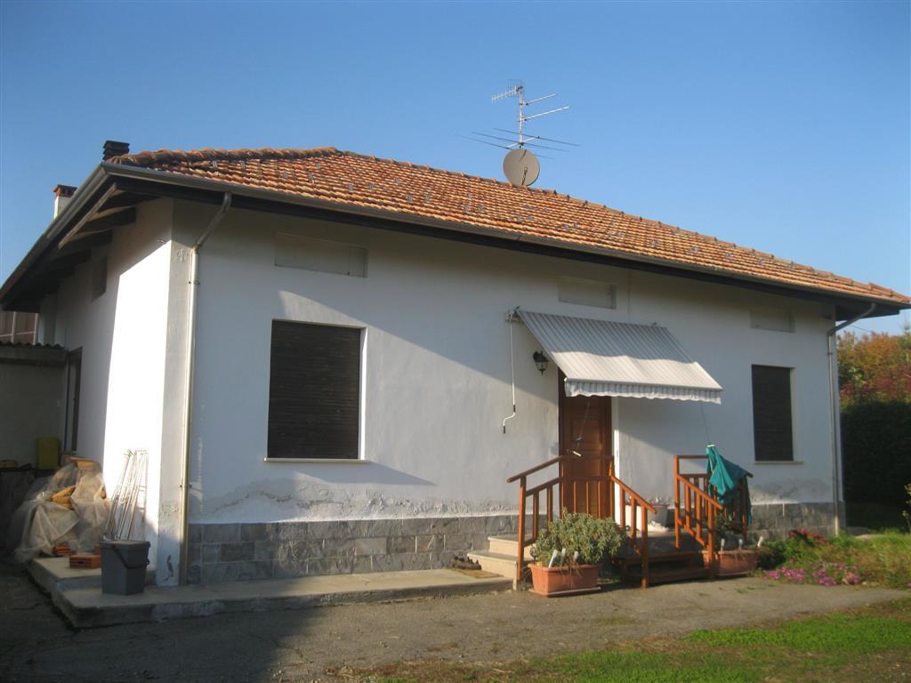 Soluzione Indipendente in vendita a Candelo, 6 locali, Trattative riservate   Cambio Casa.it