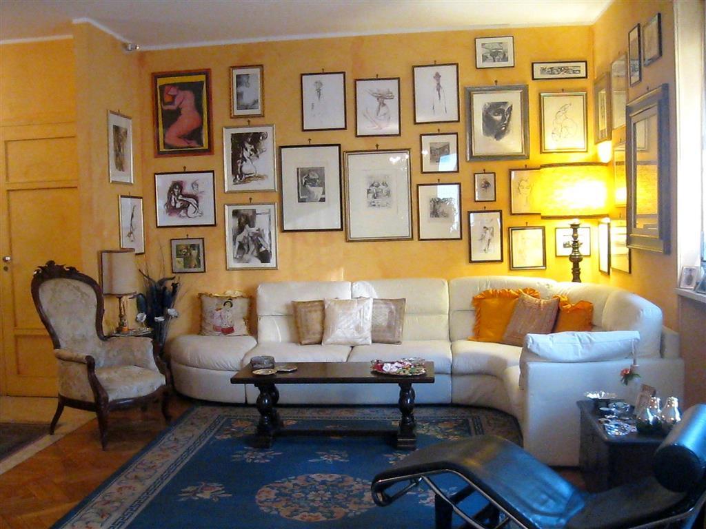 Appartamento in vendita a Biella, 4 locali, zona Zona: Centro, prezzo € 150.000 | Cambio Casa.it