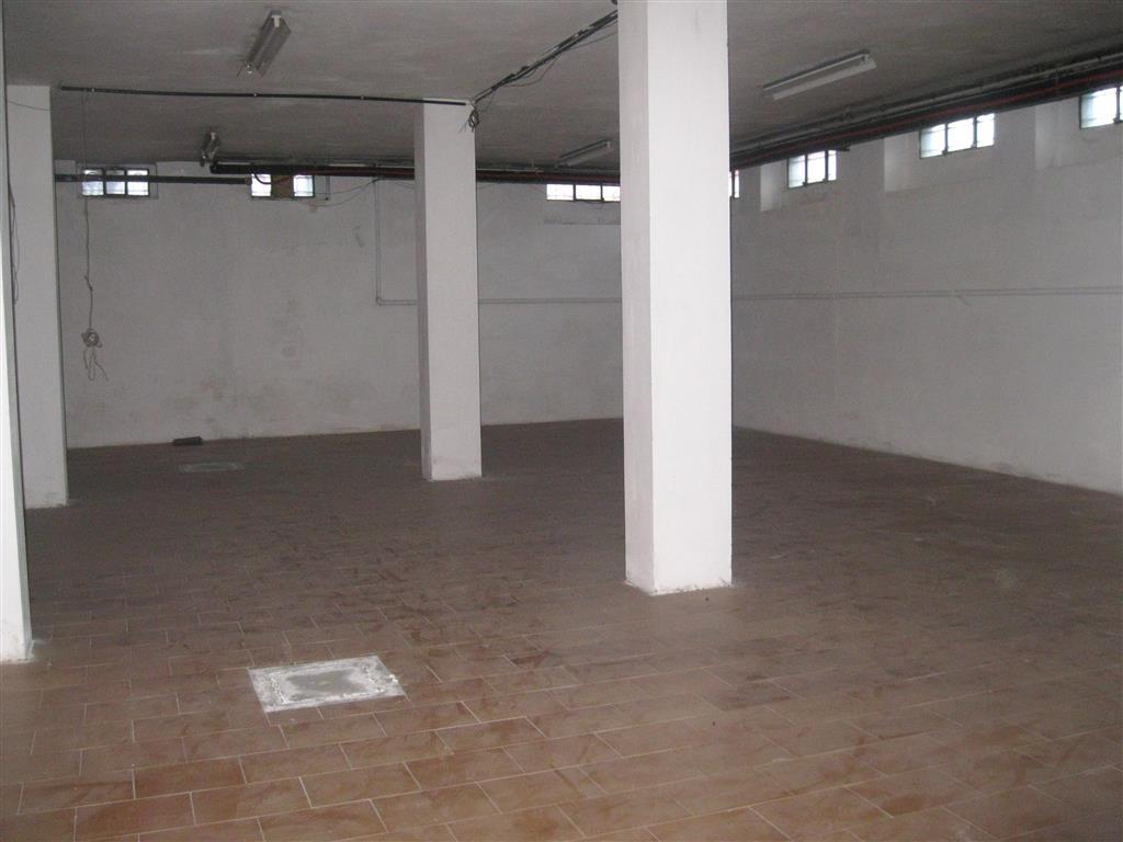 Magazzino in affitto a Biella, 2 locali, zona Località: CHIAVAZZA, prezzo € 340   Cambio Casa.it