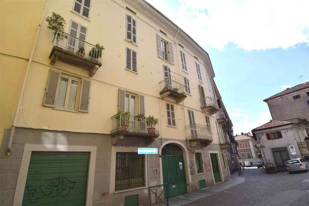 Appartamento in vendita a Biella, 7 locali, prezzo € 95.000 | Cambio Casa.it