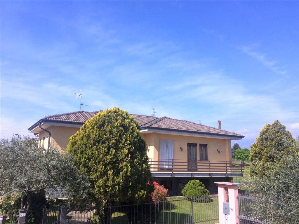 Soluzione Indipendente in vendita a Candelo, 5 locali, prezzo € 240.000   Cambio Casa.it