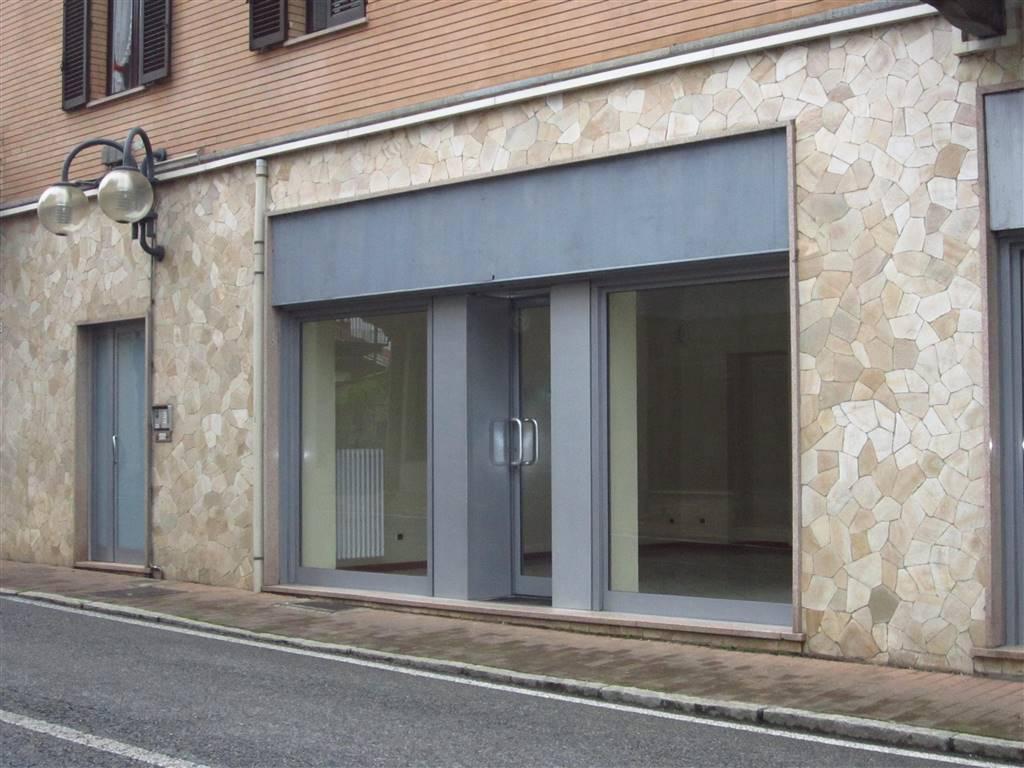 Negozio / Locale in affitto a Cossato, 3 locali, prezzo € 600 | Cambio Casa.it