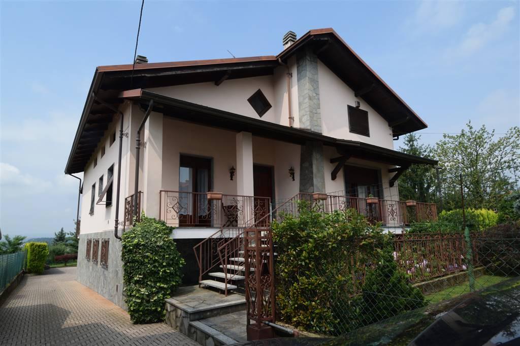 Soluzione Indipendente in vendita a Cossato, 7 locali, prezzo € 245.000 | Cambio Casa.it