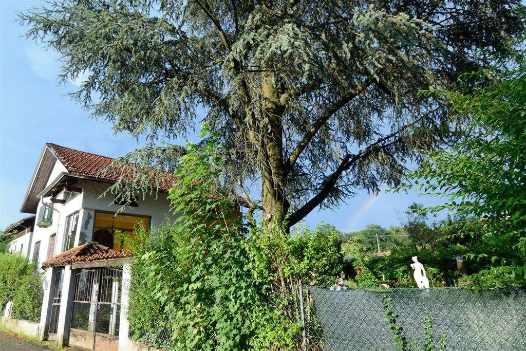 Villa in vendita a Biella, 6 locali, zona Località: BOTTALINO, prezzo € 190.000 | Cambio Casa.it