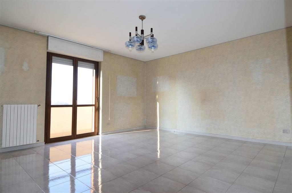 Appartamento in vendita a Cossato, 5 locali, prezzo € 134.000 | Cambio Casa.it