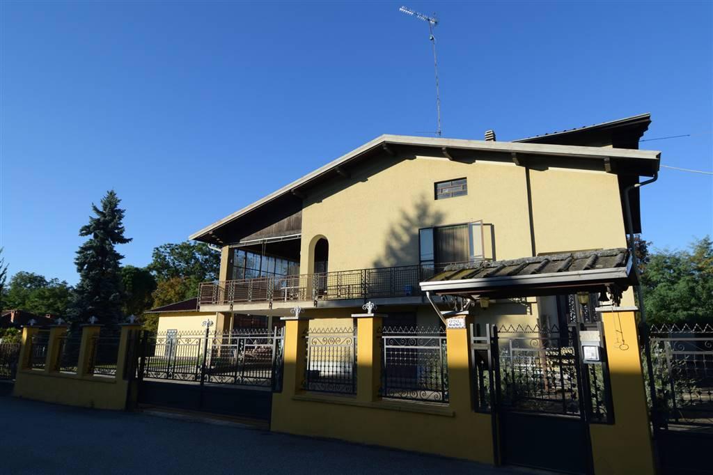 Villa Bifamiliare in Vendita a Cossato
